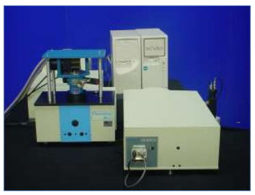 Low Temperature Macro Photoluminescence and PLE System